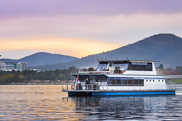 MV Southern Cross Cruise on Lake Burley Griffin
